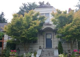 Foreclosed Home en WALNUT AVE SW, Seattle, WA - 98116