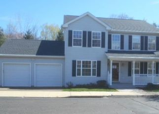 Foreclosed Home en PALOMINO PASS, Trumbull, CT - 06611