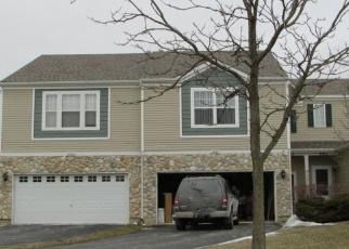 Foreclosed Home in BLACKSTONE DR, Aurora, IL - 60504