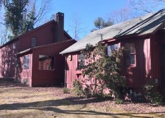 Foreclosed Home en STROBEL RD, Trumbull, CT - 06611