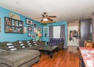 Foreclosed Home en RAINTREE RD, Tustin, CA - 92780