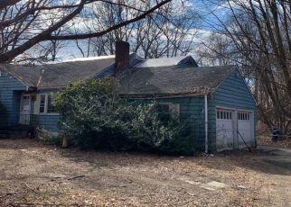 Foreclosed Home en RACEBROOK RD, Orange, CT - 06477