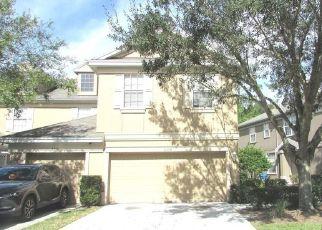 Foreclosed Home en BISMARCK PALM DR, Tampa, FL - 33610