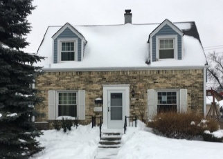 Foreclosed Home en W LINCOLN AVE, Milwaukee, WI - 53219