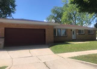Foreclosed Home en W CASPER ST, Milwaukee, WI - 53223