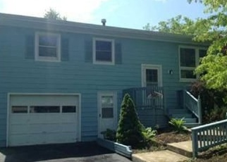 Foreclosed Home en DAYWOOD DR, Baldwinsville, NY - 13027
