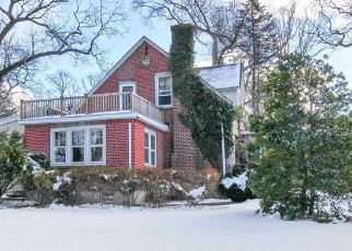 Foreclosed Home in GREENTREE CT, Northport, NY - 11768