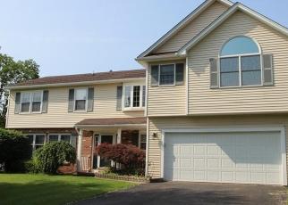 Foreclosed Home en CREEK POINTE, Farmington, NY - 14425
