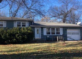Foreclosed Home en N AVALON ST, Kansas City, MO - 64152
