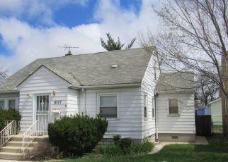 Foreclosed Home en BURNHAM AVE, Lansing, IL - 60438