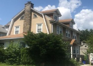 Foreclosed Home en BROADVIEW RD, Upper Darby, PA - 19082