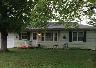 Foreclosed Home in W GRANDVIEW DR, Decatur, IL - 62526
