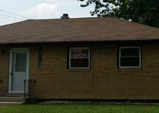 Foreclosed Home en NARRAGANSETT AVE, Burbank, IL - 60459