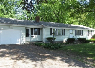 Foreclosed Home en CLOVER ST, Windsor, CT - 06095