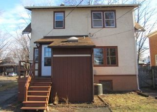 Foreclosed Home en N 8TH AVE, Maywood, IL - 60153