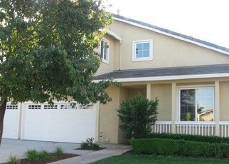 Foreclosed Home en RAYANNA DR, Stockton, CA - 95212