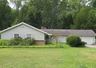Foreclosed Home en GENEVA RD, East Aurora, NY - 14052