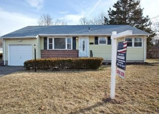 Foreclosed Home en MITCHELL DR, Bloomfield, CT - 06002