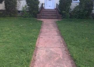 Casa en ejecución hipotecaria in Baldwin, NY, 11510,  SEAMAN AVE E ID: P1033267