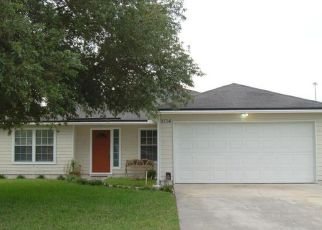 Foreclosed Home en RIDGE BRIER LN, Jacksonville, FL - 32225