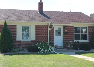 Foreclosed Home en W FILLMORE DR, Milwaukee, WI - 53219