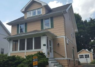 Foreclosed Home en MAPLEDALE ST, Rochester, NY - 14609