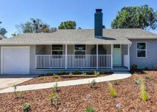 Foreclosed Home en FRUITRIDGE RD, Sacramento, CA - 95820