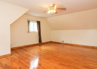 Foreclosed Home en 134TH ST, South Ozone Park, NY - 11420