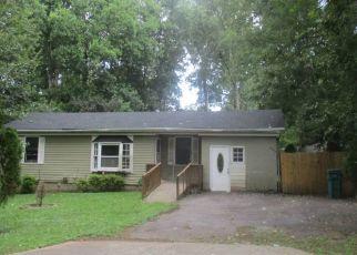 Foreclosed Home en FLOYD DR SE, Smyrna, GA - 30082