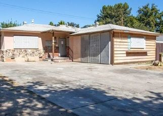 Foreclosed Home en W GILBERT ST, San Bernardino, CA - 92411
