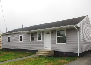 Foreclosed Home en FITCH AVE, Groton, CT - 06340