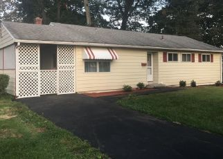 Foreclosed Home en LINCOLN ST, Windsor Locks, CT - 06096