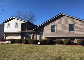 Foreclosed Home en W MCGINNIS DR, Franklin, WI - 53132