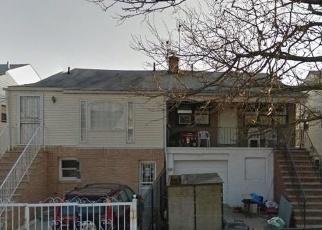 Foreclosed Home en HILLMEYER AVE, Arverne, NY - 11692
