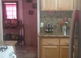 Foreclosed Home en N WINDSOR AVE, Stockton, CA - 95205