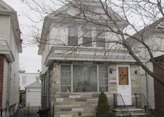 Foreclosed Home en 86TH ST, Ridgewood, NY - 11385
