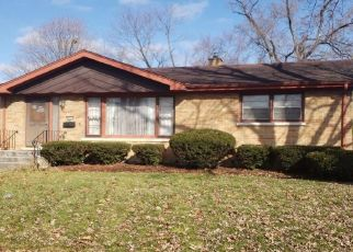 Foreclosed Home in THORNTON AVE, South Holland, IL - 60473