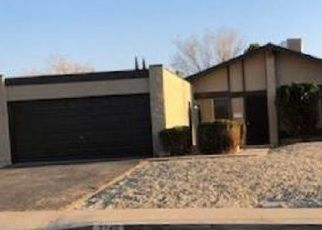 Foreclosed Home en W AVENUE K13, Lancaster, CA - 93536