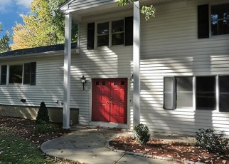 Foreclosed Home in WOODSEND AVE, Shelton, CT - 06484