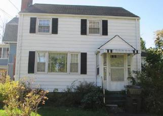Foreclosed Home en WILFRED ST, West Hartford, CT - 06110