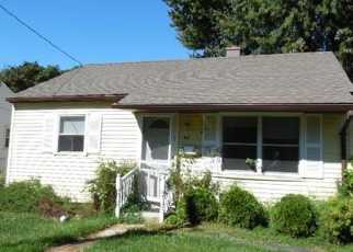 Foreclosed Home en BENJAMIN AVE, Middletown, NY - 10940