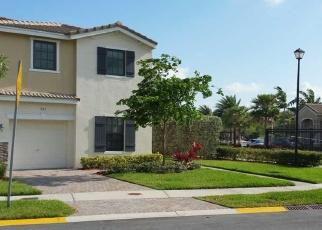Foreclosed Home en NE 194TH LN, Miami, FL - 33179