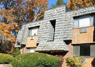Foreclosed Home en HIGH PATH RD, Windsor, CT - 06095