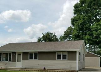 Casa en ejecución hipotecaria in West Bend, WI, 53095,  LINCOLN DR E ID: P1038210