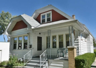 Foreclosed Home en S 64TH ST, Milwaukee, WI - 53219