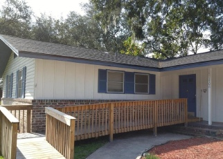 Foreclosed Home en WESTMINISTER AVE, Jacksonville, FL - 32210