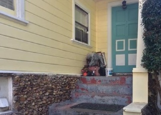 Foreclosed Home en LEONA ST, Oakland, CA - 94605
