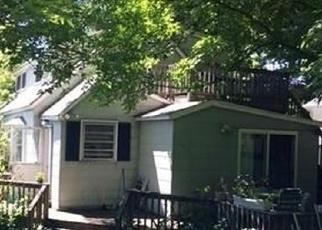 Foreclosed Home en WOOSTER ST, Bethel, CT - 06801