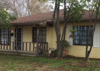 Foreclosed Home en ESMERALDA ST, Sacramento, CA - 95820
