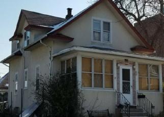 Foreclosed Home en WOODBRIDGE ST, Saint Paul, MN - 55117